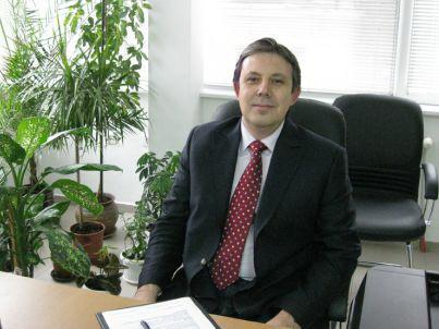 prof_bojinov.jpg